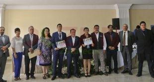 Premia IEEZ a ganadores del Primer Certamen Universitario de Debate Político