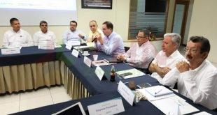 Realizan taller de discusión para analizar el escenario futuro de la minería