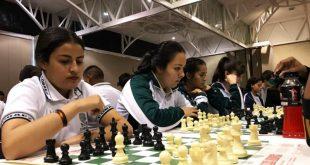 Destacan estudiantes del Cobaez en ajedrez y béisbol