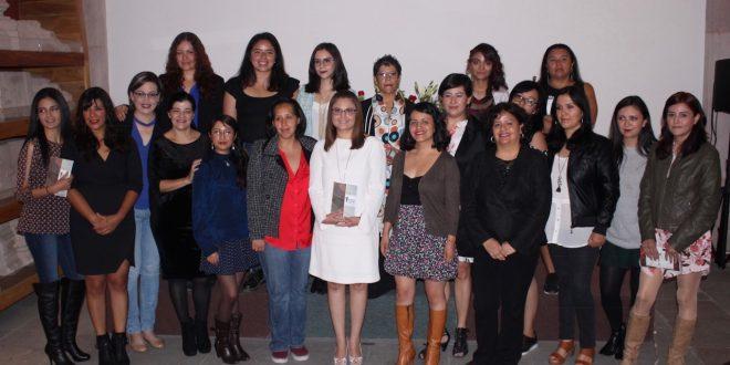 Presentan Godezac y colectivo Líneas Negras antología de escritoras zacatecanas
