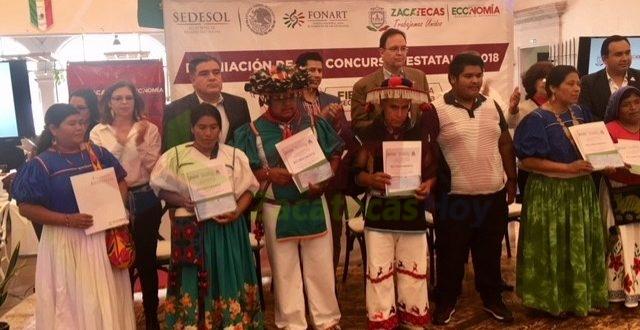 Premia Gobierno a ganadores de concursos estatales de artesanía 2018