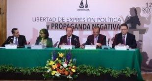 Presentan el libro Libertad de expresión política y propaganda negativa, de la Doctora Yessica Esquivel Alonso