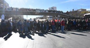 Caos vial y molestia ocasionó bloqueo del Bulevar Metropolitano por sindicalistas de la UAZ (Video)