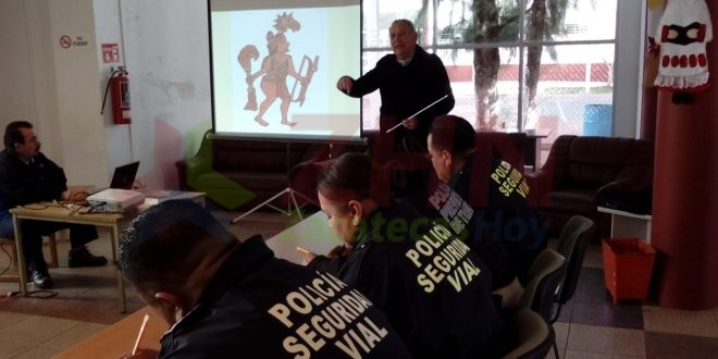 """Capacitan a servidores públicos en """"Historia y Cultura de Fresnillo"""""""