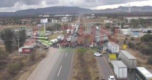 San Marqueños radicalizan protesta, bloquean carretera federal y secuestran vehículos comerciales y de gobierno: Exigen recursos económicos para autogobierno