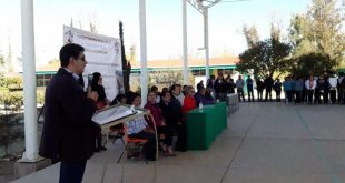 Reciben mobiliario nuevo estudiantes del Cobaez plantel Villa de Cos