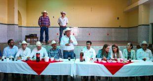 Se reúne David Monreal con ejidatarios de Guadalupe