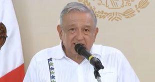 AMLO celebra aval a Reforma Educativa, va por apoyo directo a padres