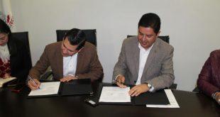 Firman convenio de colaboración IZEA e INSELCAP