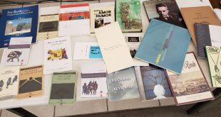 Para incentivar la lectura ente los bachilleres IZC donó libros a las bibliotecas del Cobaez