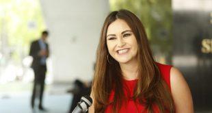 Geovanna Bañuelos propone certeza laboral para médicos residentes