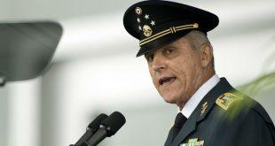 Cienfuegos enfrenta 5 cargos relativos a narcotráfico en EUA: Ebrard