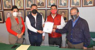 Enrique Flores Mendoza nuevo presidente del PRI estatal