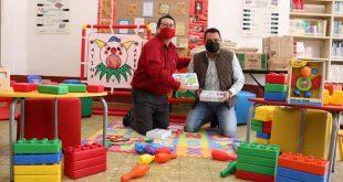 Las autoridades municipales de Nochistlán reciben más de 300 libros nuevos para los 4 centros bibliotecarios de ese municipio