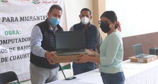 Reciben estudiantes de Cuauhtémoc 201 equipos de cómputo